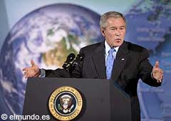 """El mandatario George W. Bush calificó al Protocolo de Kyoto como """"fatalmente fallido"""""""