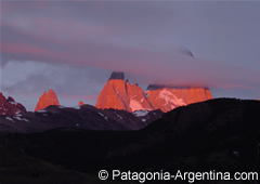 Dawn in Fitz Roy Mount - El Chaltén