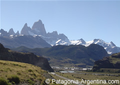 View of El Chaltén and behind the Fitz Roy