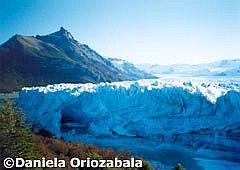 Túnel de hielo en el Glaciar Perito Moreno