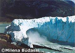 El dique de hielo comienza a desmoronarse.