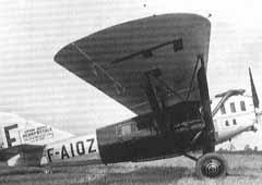 Un avión modelo Laté 25