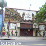 The company Catalinas Sur is formed by a group of neighbors of La Boca dsitrict that performs shows of the popular sainete show every weekend