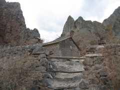 Construcción en piedra a la vera del camino - Antiguos puestos de cuidadores de ganado.