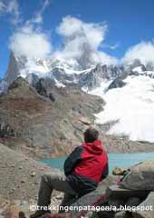 Eduardo waiting to see the Fitz Roy without clouds