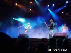 Zero frío playing in live