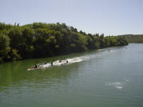 Kayaks en el Río Negro