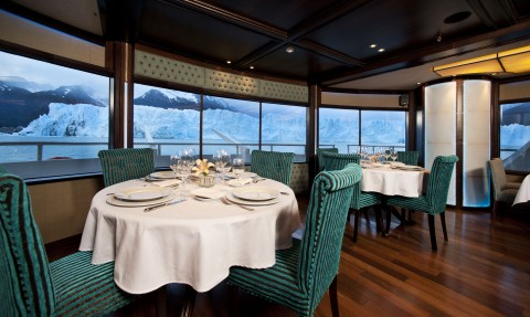 Marpatag cruise restaurant