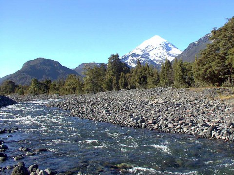 Volcano Lanín from Chimehuin river