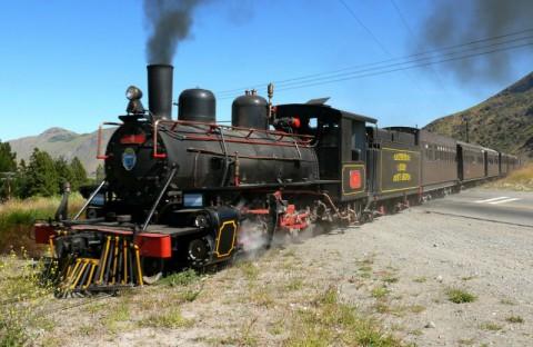 Antigua locomotora de La Trochita en pleno funcionamiento - Foto Corporación de Fomento - Chubut