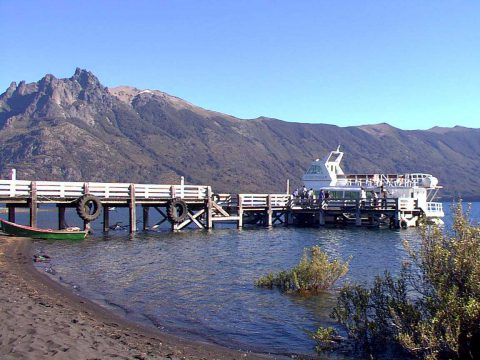 Puerto Canoa - Lago Paimún - Patagonia Argentina