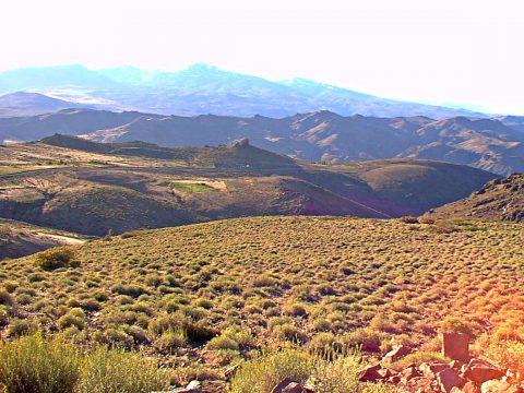 El camino entre Andacollo y Las Ovejas - Patagonia Argentina