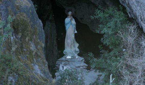 La gruta de la virgen - Foto: villatraful.gov.ar